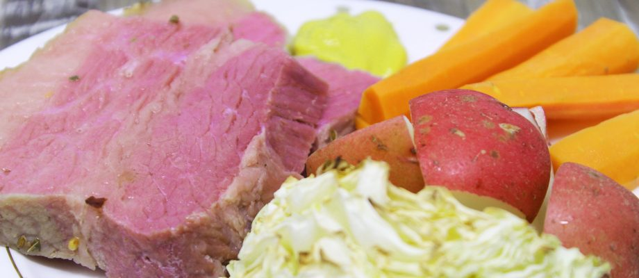 The Best St. Paddy's Day Traditional Corned Beef and Cabbage